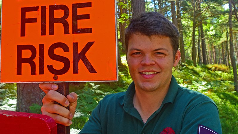 Rothiemurchus Head Ranger puts out High Fire Risk signs